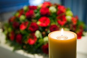 Le déroulement d'une cérémonie laïque pour des funérailles civiles
