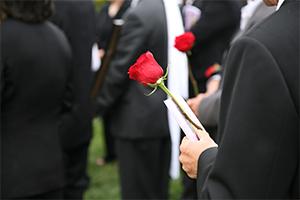Comment interdire la présence d'une personne à un enterrement