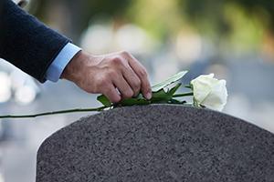 Comment choisir son opérateur funéraire