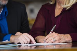 Rédiger son testament pour préparer sa succession